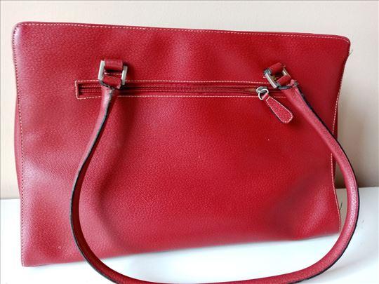 Zenske torbe vise komada