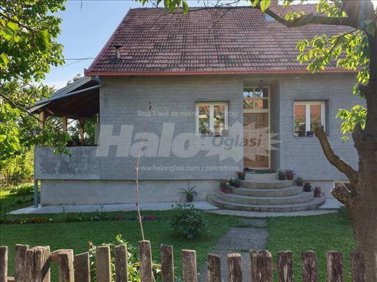 Kuća 251m2 +45a placa - Barajevo, Srednji kraj