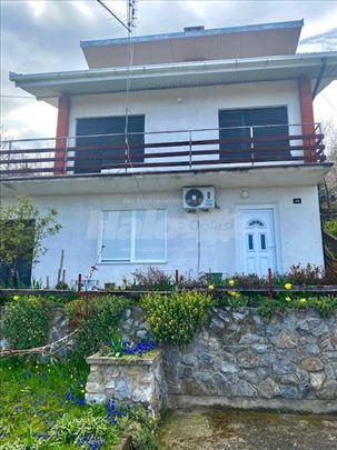 Kuća na Oplencu u Topoli - 300m2