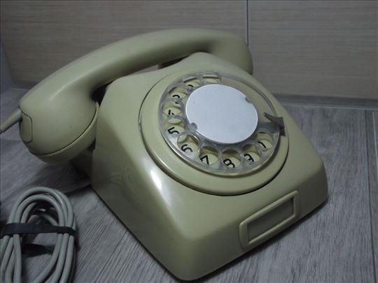 Stari telefon EI!