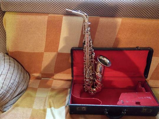Prodajem saksofon marke VANE 93 USA