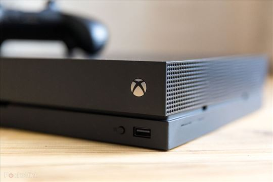 Xbox One X sa kinect V2 kamerom