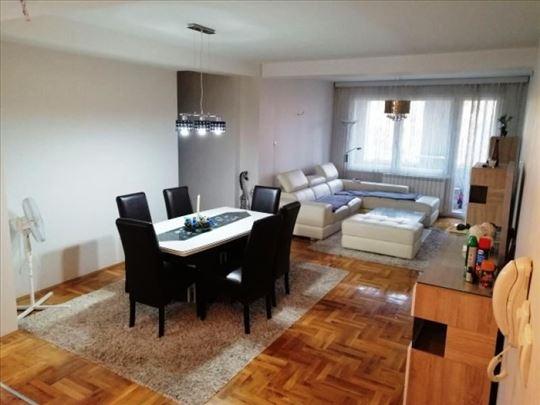 Luksuzan stan u epicentru Niša