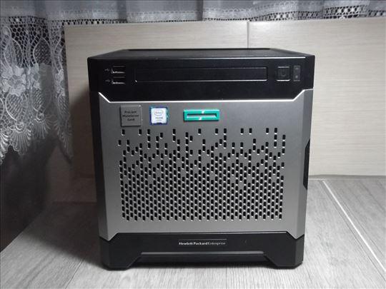 Proliant MicroServer Gen 8!