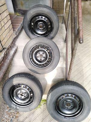 """Čelične felne 15"""" (5x112) VW sa zimskim gumama 195"""