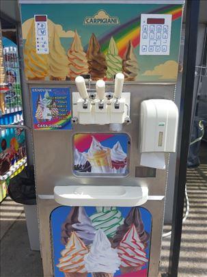 Aparat za točenje sladoleda