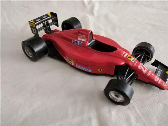 Burago formula 1 Ferrari 1:24,fali prednji spojler