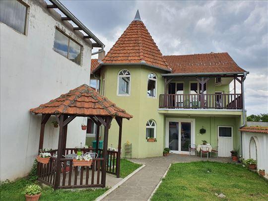 Kuća u Leskovcu 327m2