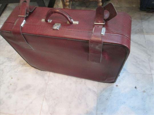 Kofer iz 90-tih godina prošlog veka