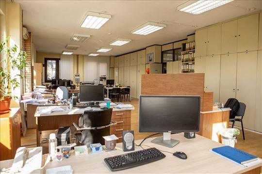 Sajam, Poslovni- kancelarijski prostor 665m2