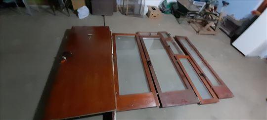 Na prodaju drvena Hrastovina maksimalno očuvana st
