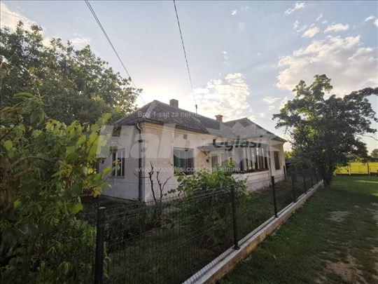 Kuca na prodaju , selo Krnjevo