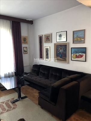 *DEDINJE - Beli dvor, 400m2, IV etaže, eg, 9ari, u