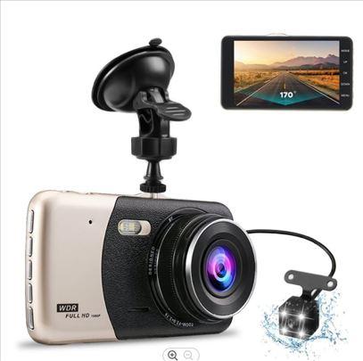 Dvostruka kamera za automobile sa displejom