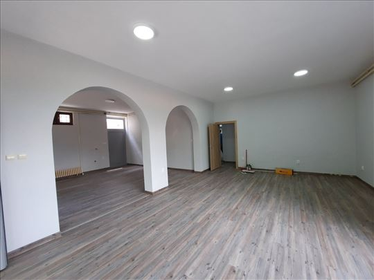 Odličan PP, 6.0, open space 100 m2, 6 p. mesta!