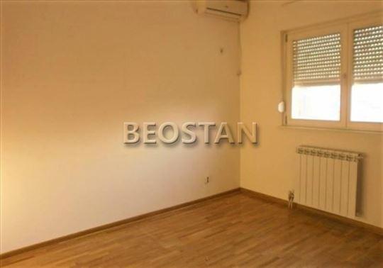 Novi Beograd - Blok 63 Tc Piramida ID#42217