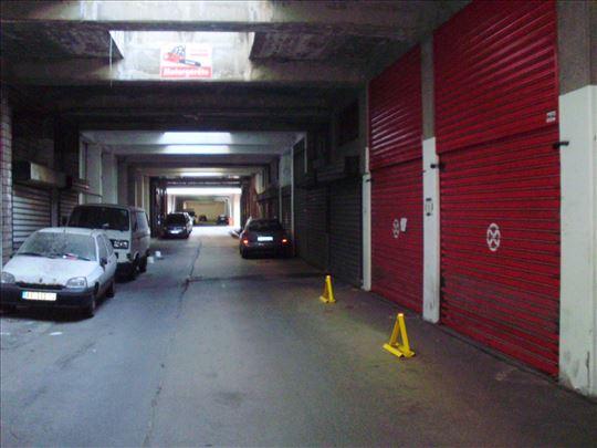 Novi Beograd, YBC, garaža-magacin, 15m2