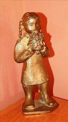 Devojčica sa buketom, legura bronze i mesinga