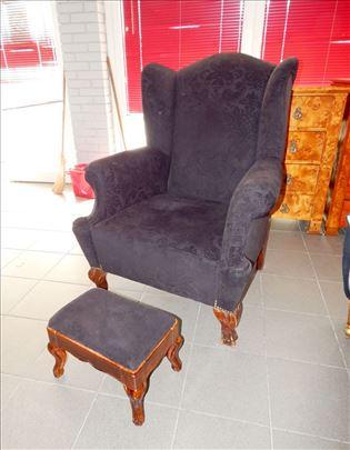 BERZERA, velika fotelja sa tabureom