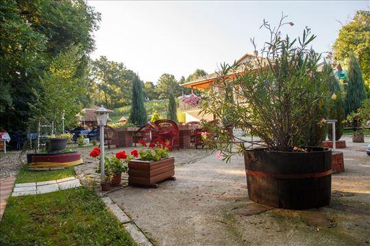 Ekskluzivno-turističko seosko imanje 1000m2+4ha
