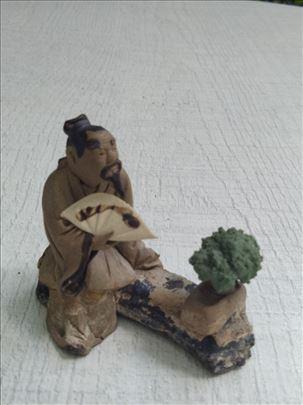 Figura majstora bonsaija keramička