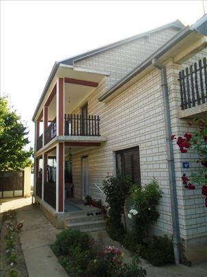 Porodična kuća u naselju Čokot