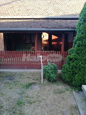Prodaja kuće, centar Lozovika