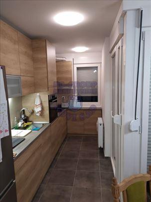 Odličan stan na odličnoj lokaciji 021/544-624