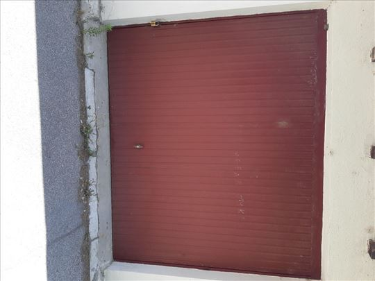 Garažna vrata (Kao nova, povoljna)