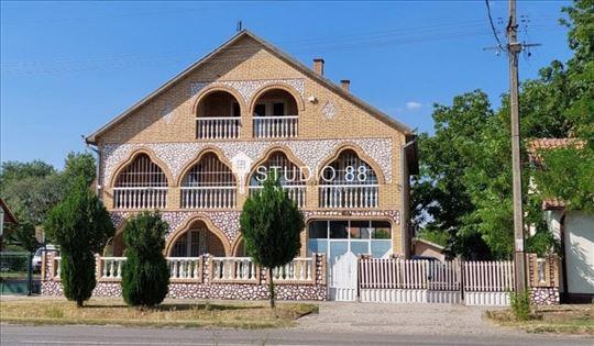 Sečanj, Centar, Kuća, 3.0, 362m2