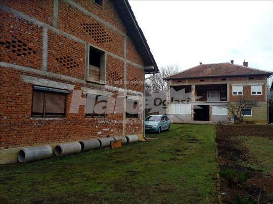 Продајем кућу у насељу Камењача ( Трстеник )