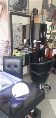 Kompletan inventar za frizerski salon