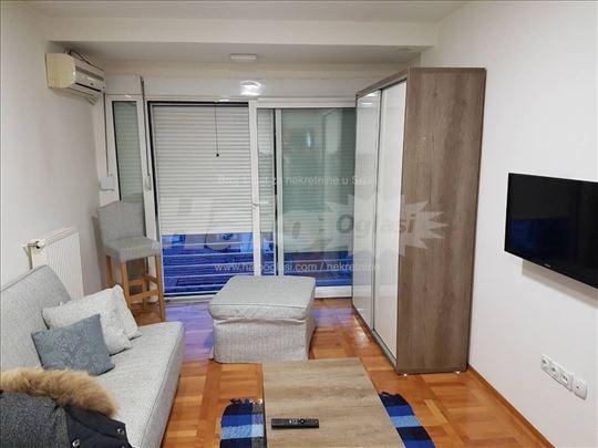 Izdajem stan u Vranju - 200€ sa troškovima