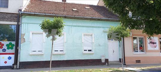 Salonska Kuca u Lava Tolstoja