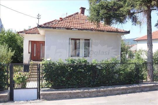 Hitno na prodaju kuća u Aranđelovcu kod gimnazije