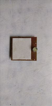Led dioda bela trepcuca, radi na bateriju 3 V