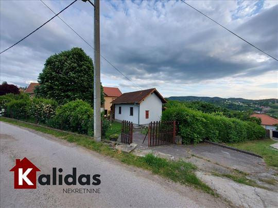 Sremska Kamenica 54m2-498m2 plac