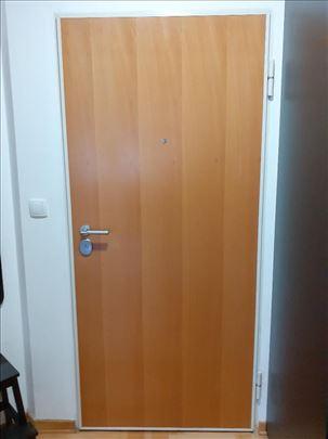 Polovna sigurnosna vrata sa Mottura bravom