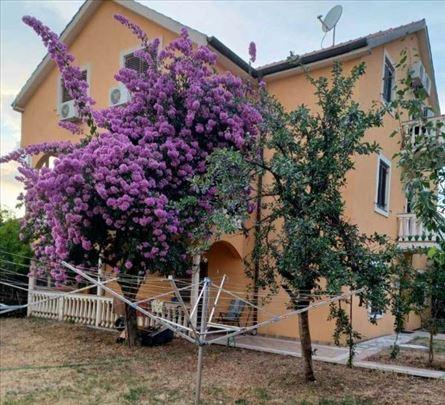 Studio apartmani u Tivtu