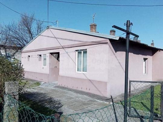 Prodaja kuce u Sremskoj Mitrovici