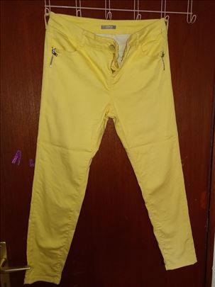Pantalone za tinejdžerke i malo starije