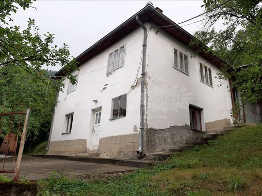 Prodajem kuću, 120m2,  7 ari, Kolovrat, Prijepolje
