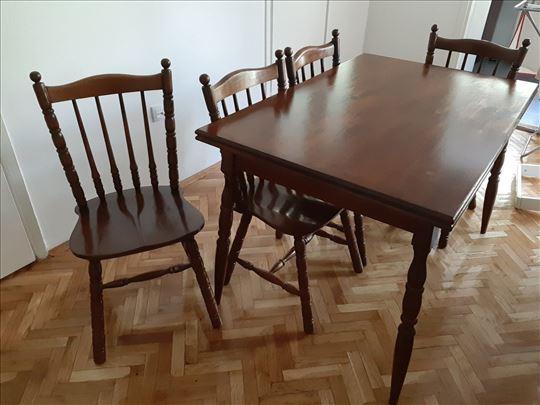 Trpezarijski sto na razvlacenje i 8 stolica