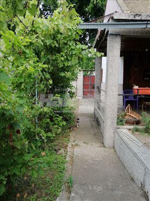 Komforna porodična kuća u Somboru