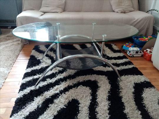 Nov sto za dnevnu sobu