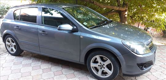 Opel Astra H. 1.9 CDTI