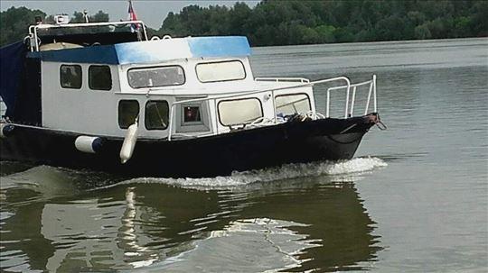 AD boats Camac sa kabinom