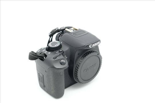 Canon 650D telo + objektivi (opciono)