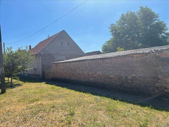 Brestovac kuća sa placem