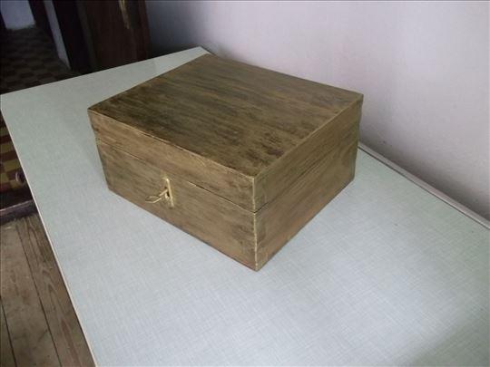 Drveni kovčežić - oko 1950. godine